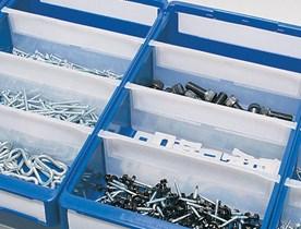 Plastlådor och backar